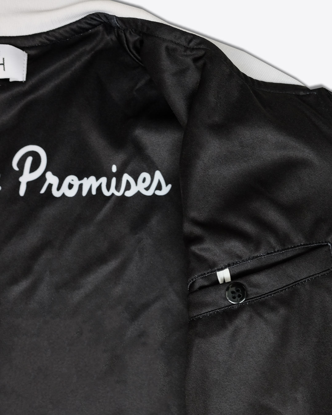 STANDING-ON-THE-PROMISE-photo7-URBANE-MUSE-CHRIS-SMITH-BOMBER-JACKET-with-Lining